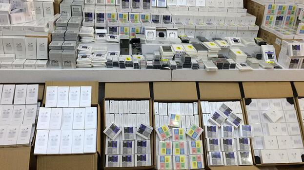 İstanbul'da 84 milyon liralık sahte telefon aksesuarı ele geçirildi!