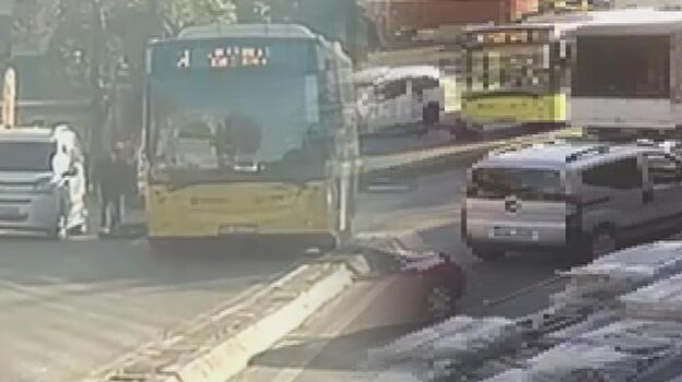 Araba savurdu, İETT otobüsü ezdi! Scooterlı ağır yaralı