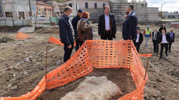 Selimiye Camii'nin çevre düzenlemesinde tarihi kalıntılar ortaya çıktı