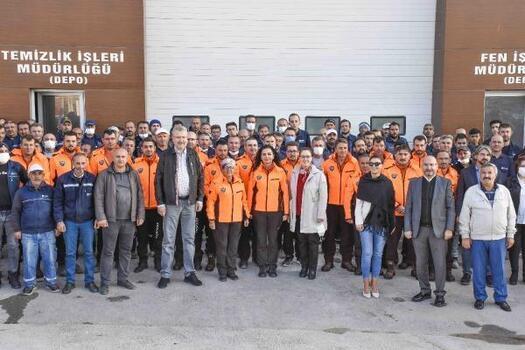 Karacabey Belediye Başkanı, mesai arkadaşlarıyla buluştu