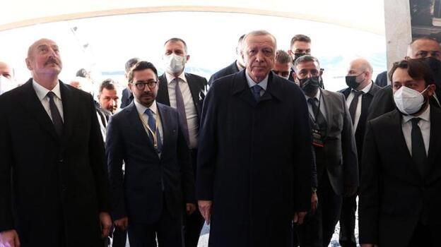 Cumhurbaşkanı Erdoğan ve Aliyev, Karabağ'da SİHA'ların öncüsü Özdemir Bayraktar'ı yad etti