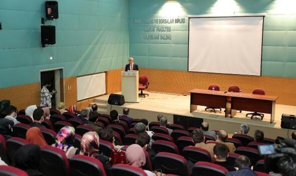 Trakya Üniversitesi İlahiyat Fakültesi'nin ilk dersi Nurettin Topçu oldu