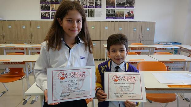 Kanada'daki matematik yarışmasında Bursalı iki kardeş dünya şampiyonu oldu