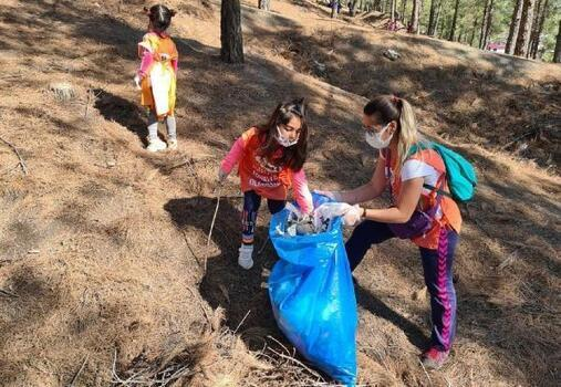 İslahiye'de ormanlık alan gönüllüler tarafından temizlendi