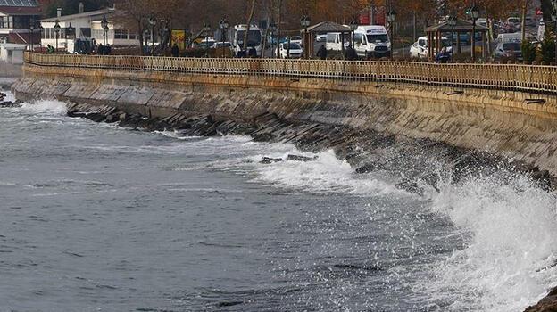 Marmara'da Denizi'nde poyraz! Ulaşımda aksamalar yaşandı