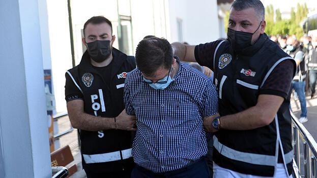 Yolsuzluktan tutuklanan milli eğitim müdürü, 1 kilo altınla kaçarken yakalanmış