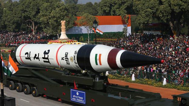Hindistan Çin'in her yerini vurabilecek füze denedi
