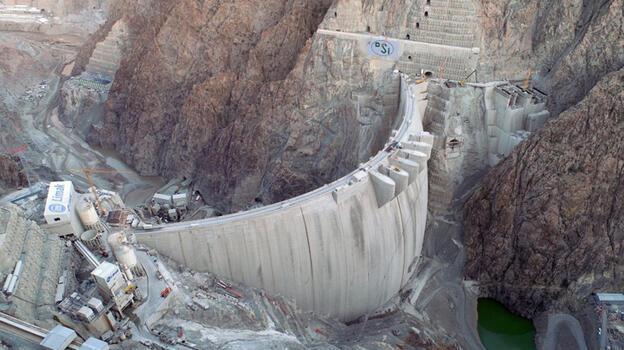 Türkiye'nin en yüksek barajı 10 yılda kendini amorti edecek