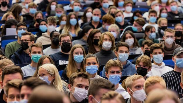 Almanya koronavirüs salgınında dördüncü dalgayla yüz yüze