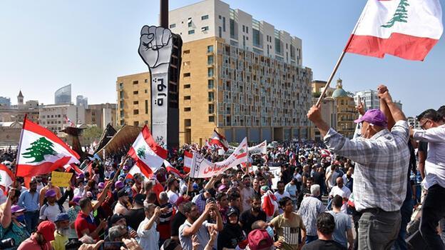 Lübnan'da seçimler Mart 2022'de