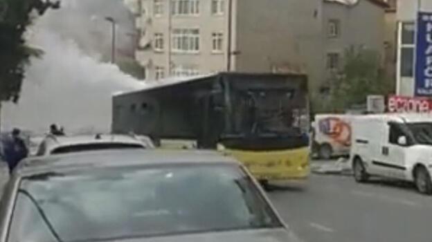 İETT otobüsünde panik! Dumanlara aldırış etmedi