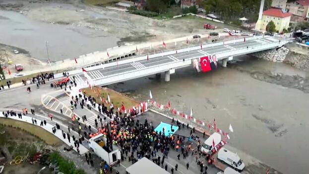 Çatalzeytin Köprüsü'nü Bakan Karaismailoğlu ulaşıma açtı