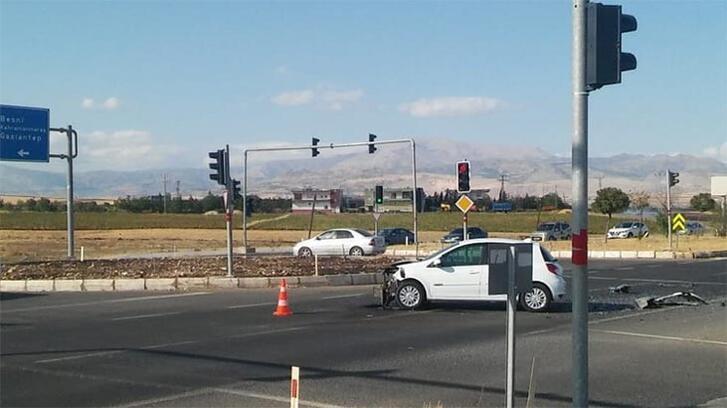 Otomobiller çarpıştı: Yaralılar var