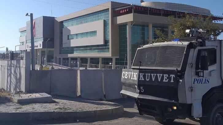 4 HDP'li belediye başkanı gözaltına alındı!