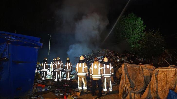 Sancaktepe'de kokrutan yangın