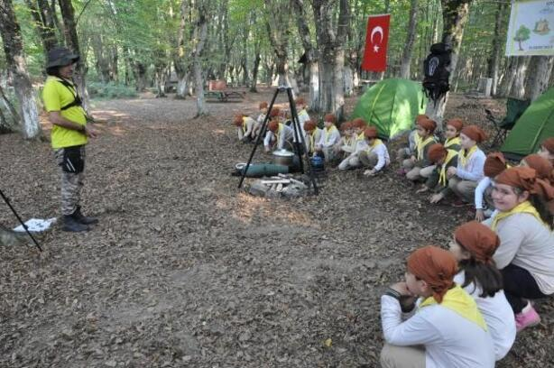İlkokul öğrencileri izci kampına katıldı