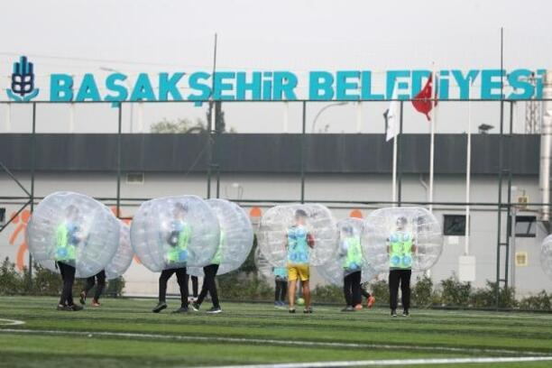 Başakşehir'de balon futbolu çekişmeli geçti