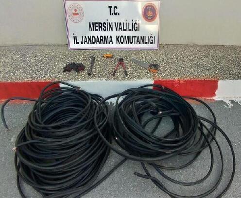 Tarsus'ta kablo hırsızları tutuklandı