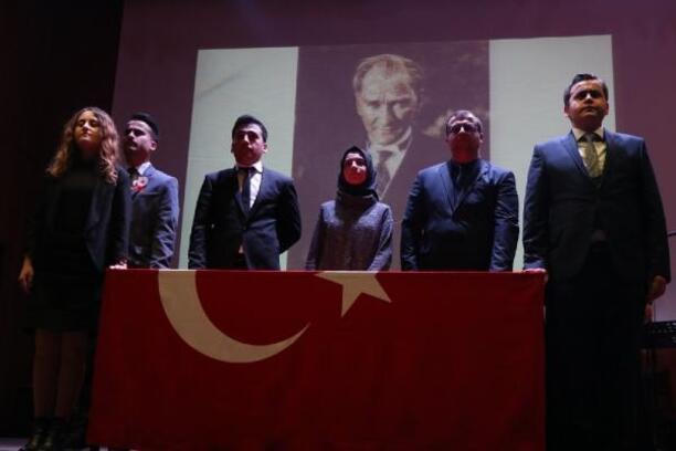 Edirne'de genç öğretmenler öğretmenler gününde yemin etti
