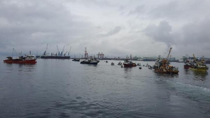 Gemlik Körfezi'nde balıkçılar deniz deşarjına karşı eylem yaptı