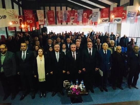 CHP Karacusu'da Cengiz Çumralı başkan seçildi
