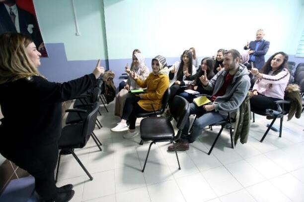 Yenişehir'de halk eğitim merkezine yoğun ilgi