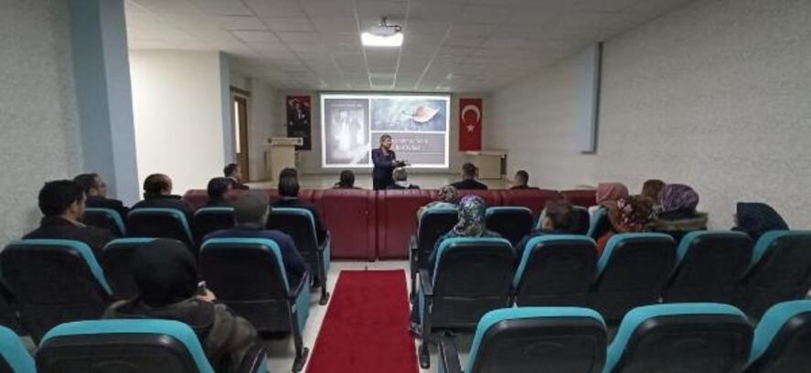Zara'da velilere yönelik konferans