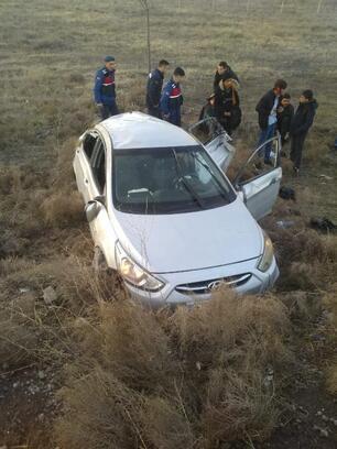 Takla atan otomobildeki 8 Suriyeli yaralandı