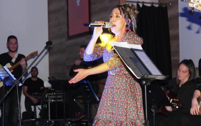 Barış Manço Alaşehir'de şarkıları ile anıldı
