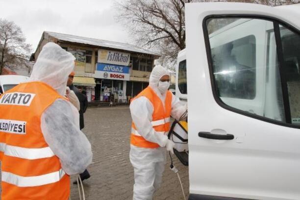 Varto'da toplu taşıma araçları dezenfekte edildi