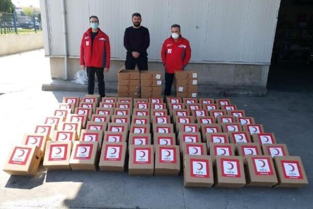 Salihli Kızılay'dan Vefa Destek Sosyal Grubu'na yardım