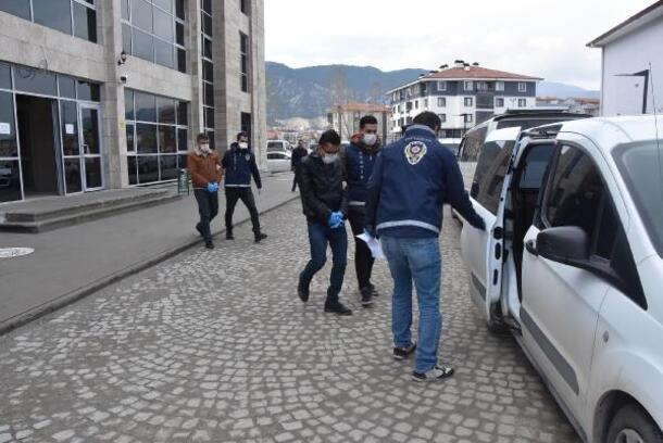 Kütahya'da hırsızlık şüphelisi 2 kişi yakalandı