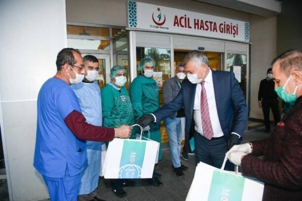 Adana Büyükşehir Belediyesi esnafa nakdi yardım yapacak
