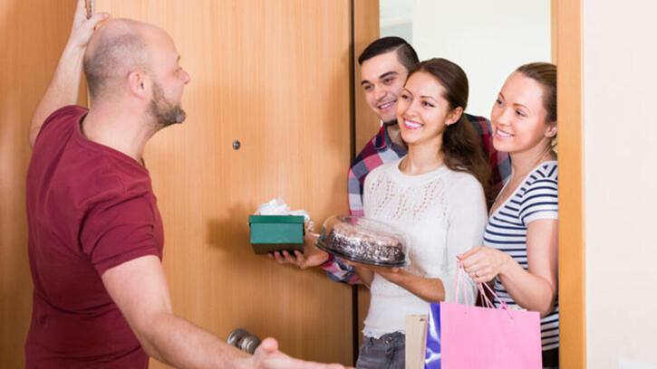 Misafir Eş Anlamlısı Nedir? Misafir Kelimesinin Eş Enlamı Olan Sözcükler