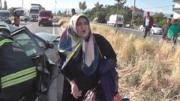Eşi ve 2 çocuğu kazada yaralanan kadından sürücüye 'köpek için fren' tepkisi