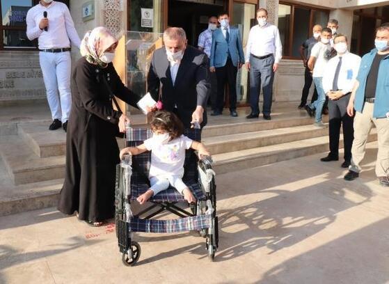 Midyat Belediyesi'nden engellilere tekerlekli sandalye
