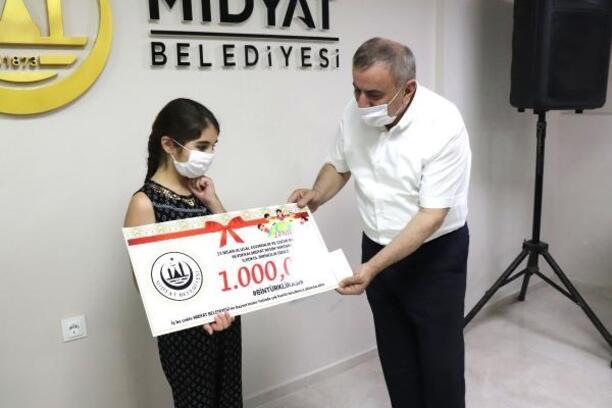Midyat'ı en güzel resmeden öğrenciler ödüllendirildi