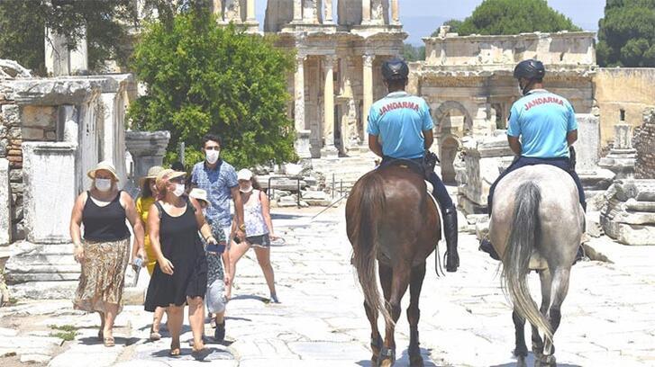 Efes Antik Kenti'nin güvenliği onlara emanet