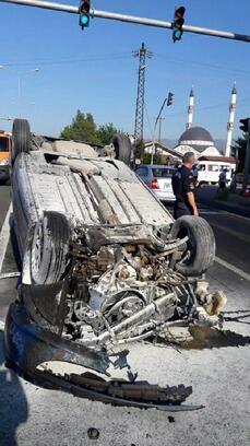 Tali yoldan çıkan otomobile başka bir otomobil çarptı: 2 yaralı