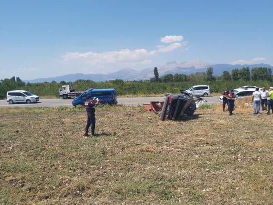Takla atan otomobilin sürücüsü öldü