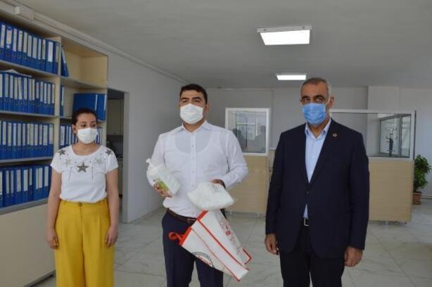 Hilvan Kaymakamlığı'ndan 600 aileye maske yardımı