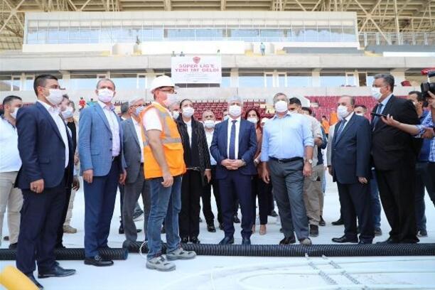 Vali Doğan, Hatay Stadyumu'nu inceledi