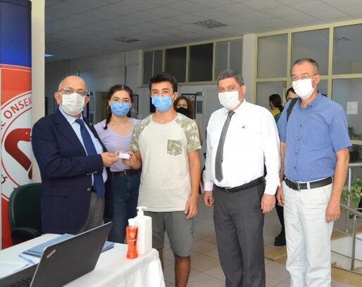 ÇOMÜ'de ilk öğrenci kaydını Rektör Murat gerçekleştirdi