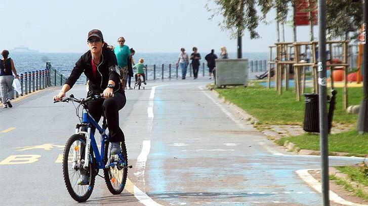 İstanbul'da kadınlara bisiklet eğitimi