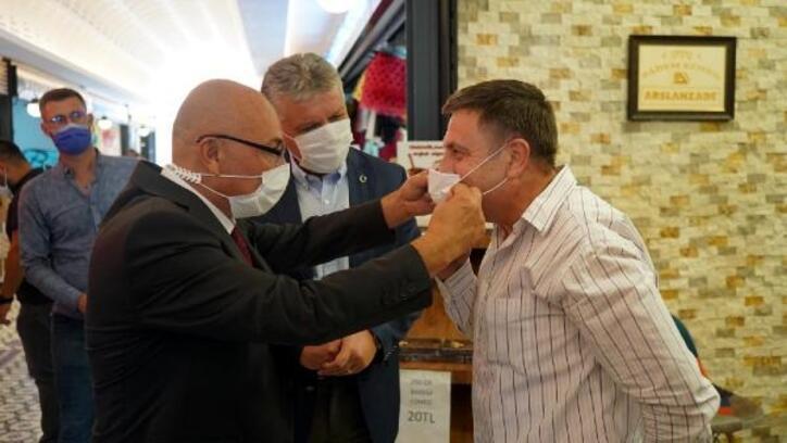 Lüleburgaz'da otogar ve AVM'de maske denetimi