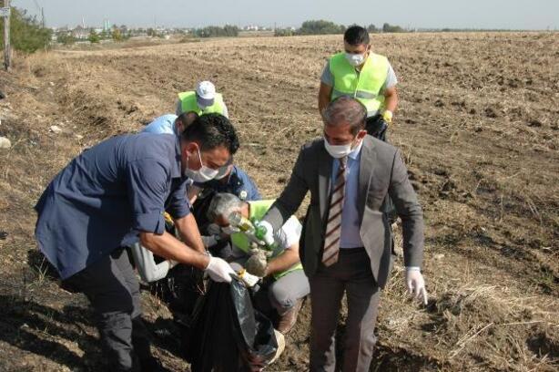 İmamoğlu protokolü sürücülerin attığı cam ve plastik atıkları topladı