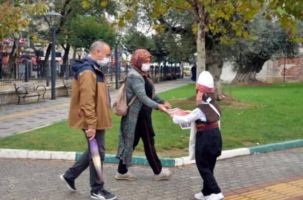 Gemlik'teki Cumhuriyet kutlamalarını çocuklar duyurdu