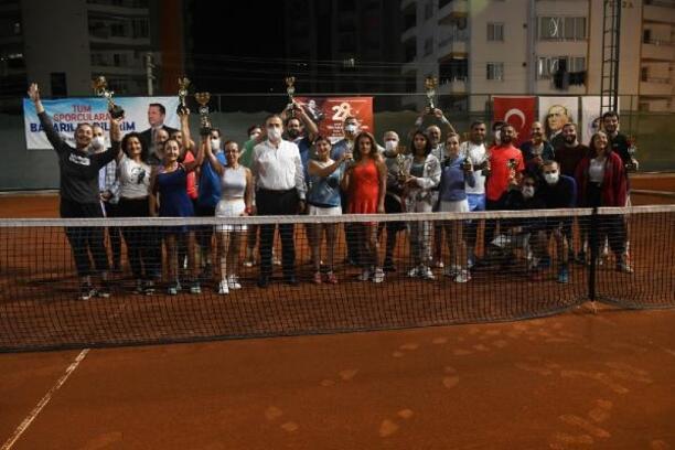 Cumhuriyet Kupası Tenis Turnuvası sona erdi