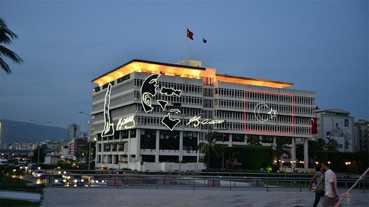 İzmir Büyükşehir Belediye binası için yıkım kararı