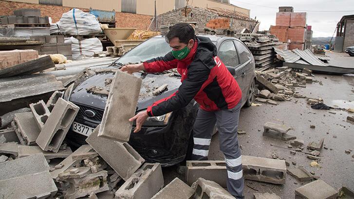 Turuncu alarm! İspanya'yı Hortense fırtınası vurdu